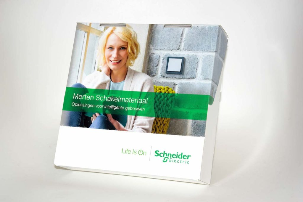Bedrukte doos Schneider electric Noova Media Productions